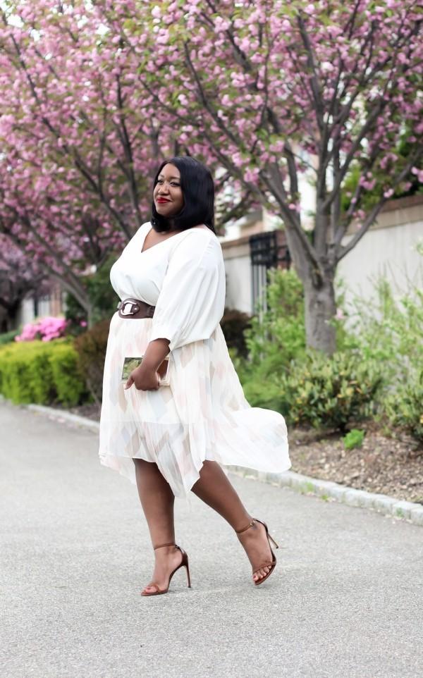 wunderbare Damenkleider - tolle weiße Schattierung