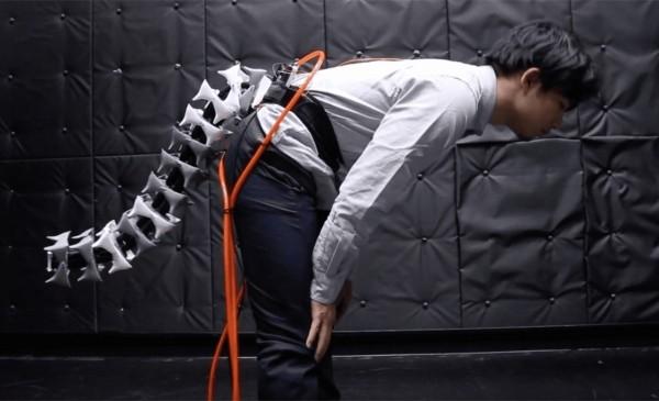 Arque ist ein Roboterschwanz, der Ihr Gleichgewicht und Beweglichkeit verbessert stellt gleichgewicht wieder her