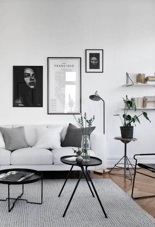 Asymmetrie im Interieur modernes Wohnzimmer in schwarz