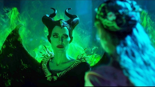 Dies sind alle kommenden Remakes von Disney angelina jolie maleficent