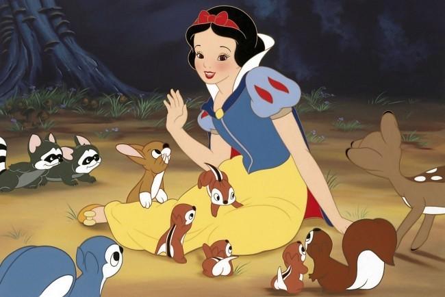 Dies sind alle kommenden Remakes von Disney schneewittchen original szene
