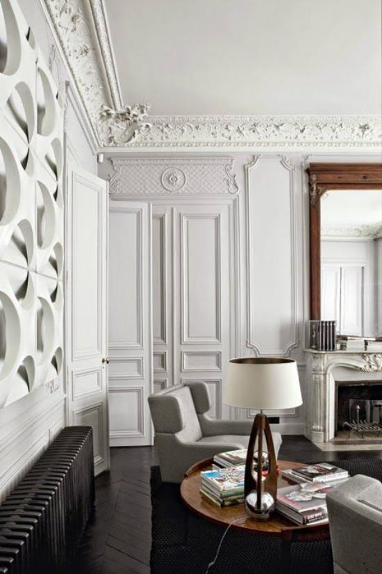 French Chic im Interieur Wohnzimmer nicht mit zu vielen Möbeln Deko Artikeln überladen