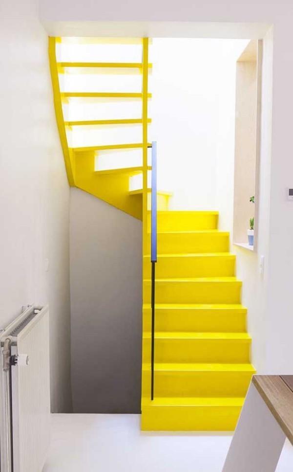 Gelbe Farbe für die Inneneinrichtung - Treppengestaltung