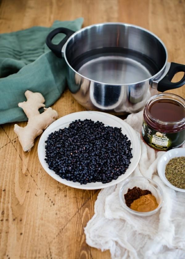 Holundersirup selber machen Holundersaft Rezept Zutaten