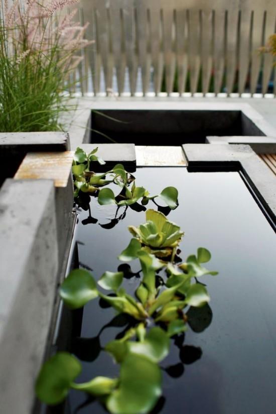 Japanischer Garten hohe Ästhetik visuelle Harmonie Wasser Wasserpflanzen Sträucher Zaun