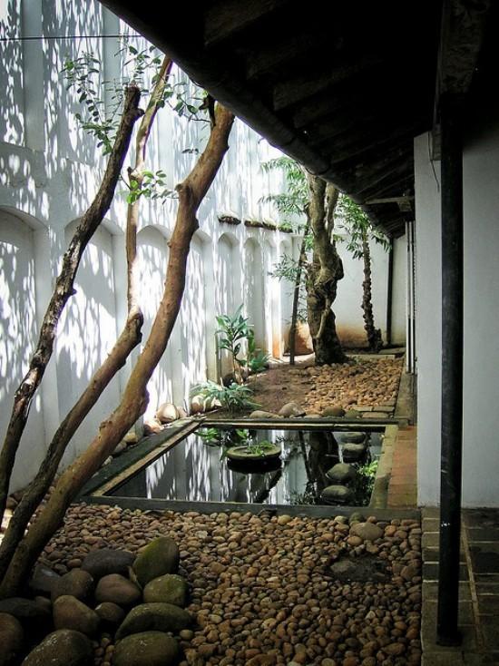 Japanischer Garten hohe Ästhetik visuelle Harmonie im Hinterhof Wasser Steine Kies