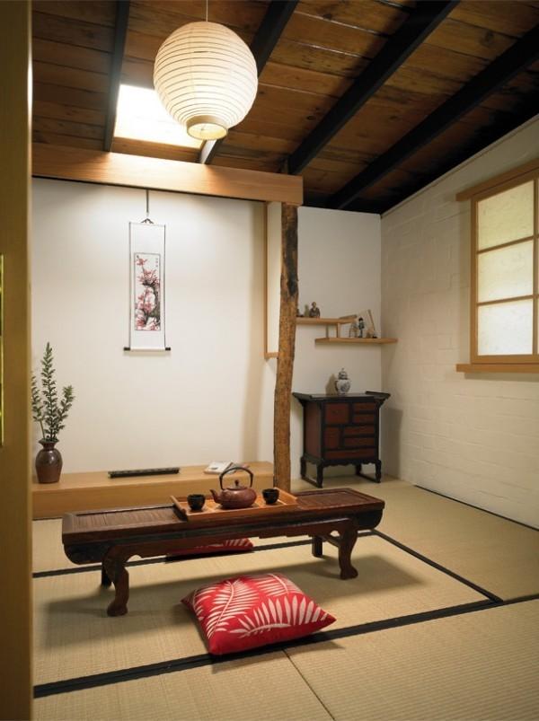 Japanisches Wohnzimmer traditionell eingerichtet hell lichtdurchflutet