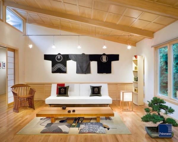 Japanisches Wohnzimmer weiße Wände viel Holz Naturmaterialien Bonsai Baum