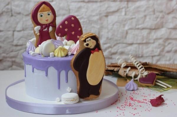 Mascha und der Bär Torte Motivtorte ersten Geburtstag