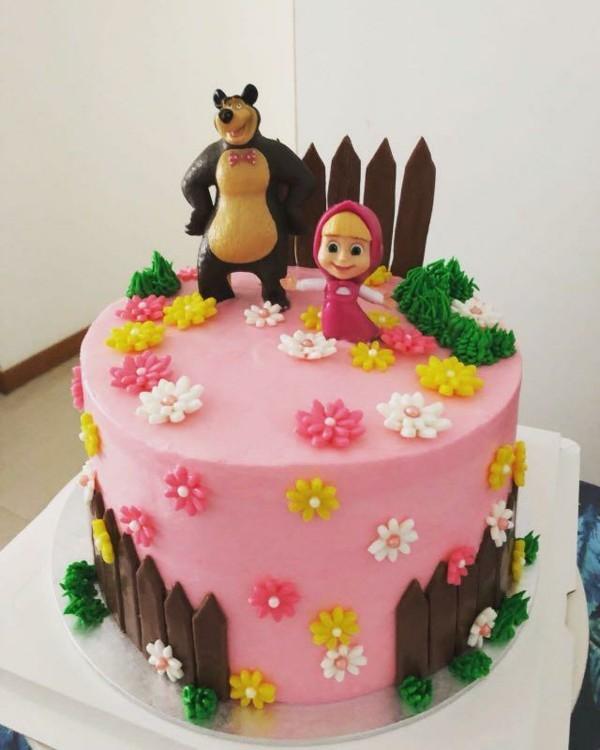 Mascha und der Bär Torte Motivtorte für Mädchen Geburtstag