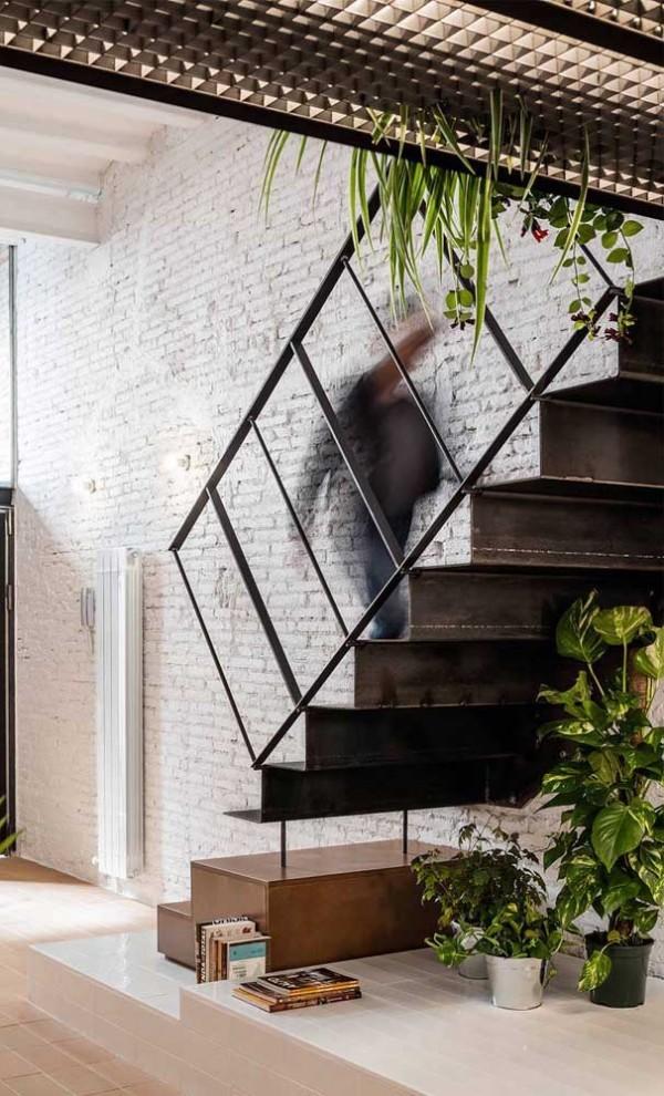 Metall und Pflanzen - tolle Treppengestaltung