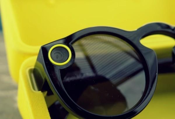 Mit Snapchat Spectacles 3 können Sie HD Fotos und Videos in 3D aufnehmen brillen schwarz kamera