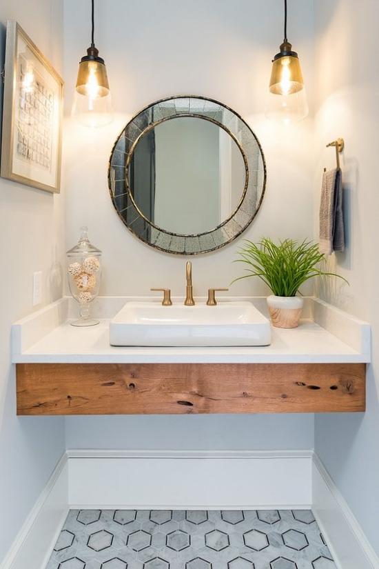 Passendes Licht im Bad kleiner Waschtisch modern gestaltet richtig gut beleuchtet