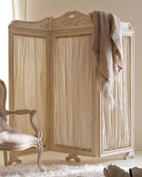 Raumteiler auffälliger Paravent Holz und Textil rustikale Note mitbringen