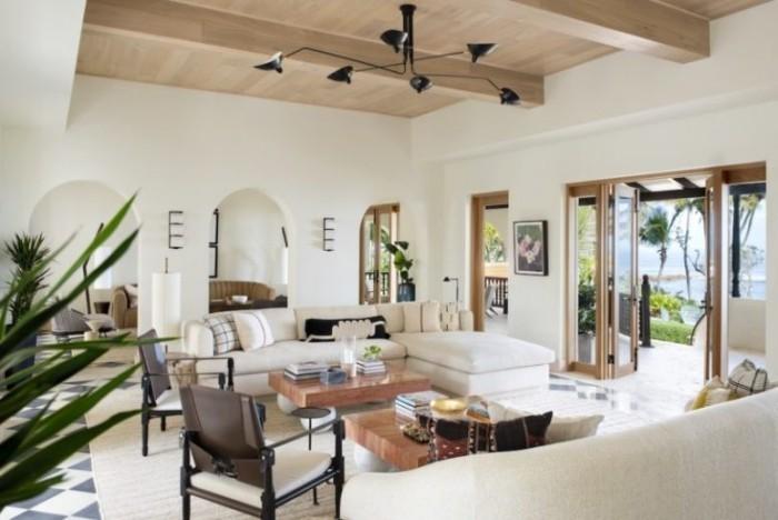 Restaurierung eine historische Villa in Puerto stilvolles Design bezaubernde Atmosphäre im Wohnzimmer