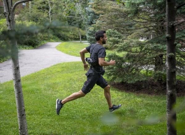 Roboter Shorts erleichtern das Gehen und Laufen exoskelett unterstützt beim laufen