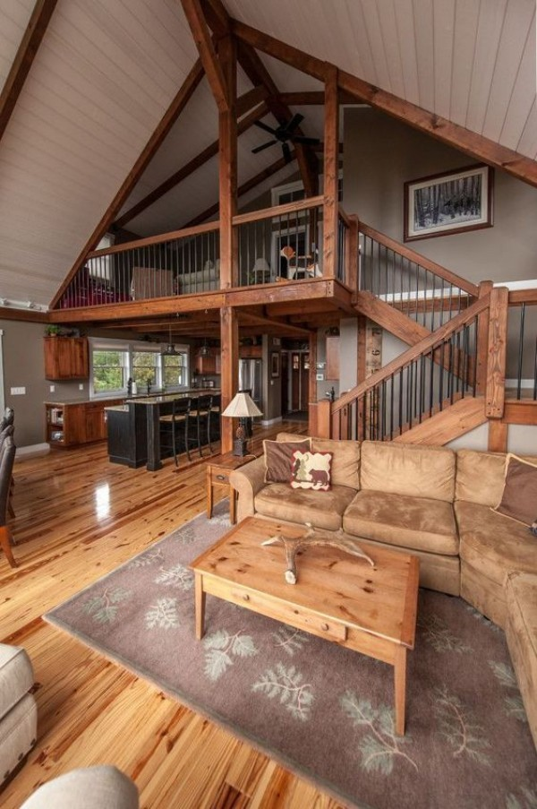 Scheune umbauen viel Wohnkomfort auf verschiedenen Höhenebenen Holz helles Interieur sehr einladend wirken