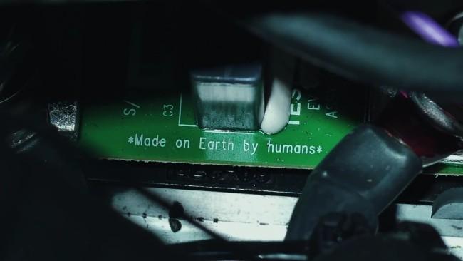 Starman auf dem Tesla Roadster kreist zum ersten Mal um die Sonne von menschen auf der erde hergestellt
