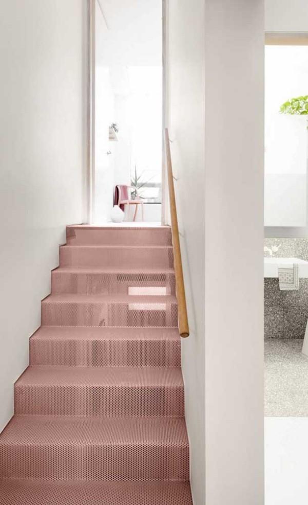 Treppengestaltung - Wunderbare Idee in Rosa und Weiß