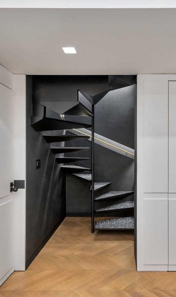 Treppengestaltung - edles schwarz weißes Design