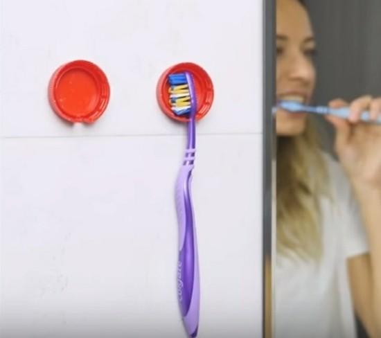 aus alt mach neu zahnbürstehalter aus flaschendeckel
