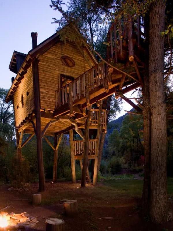 baumhaus mit märchenhaftem design