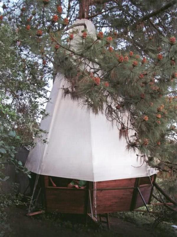 baumhaus - weiße Giebelfläche