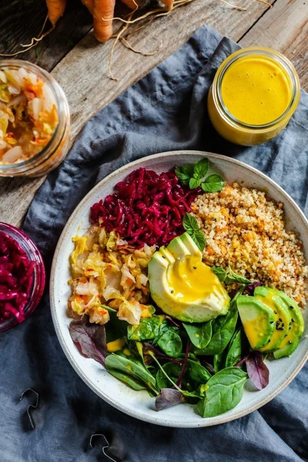 buddha bowl rezepte karroten quinoa avocado ingwer dressing
