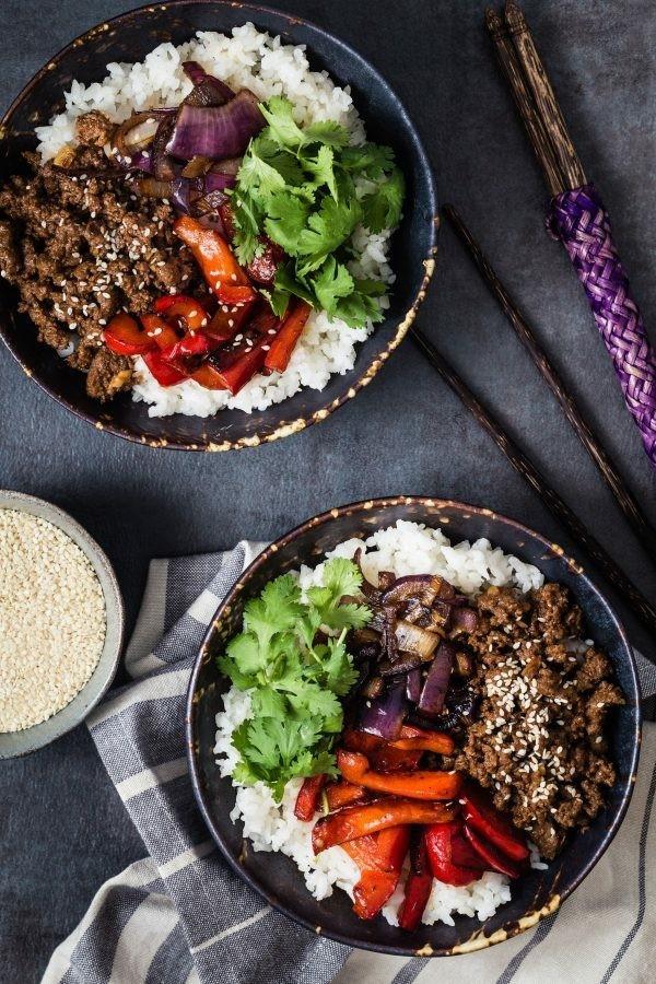 buddha bowl rezepte rindfleisch reis gemüse