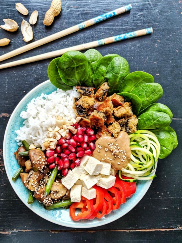 buddha bowl rezepte vegan mit spinat reis pilzen