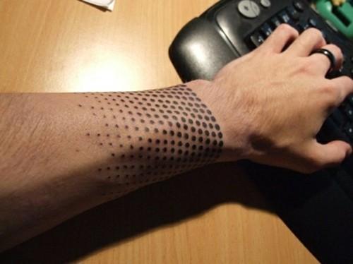 dot kleine tattoos männer handgelenk