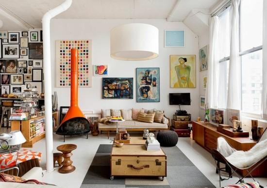 eklektische wohnzimmereinrichtung mit truhentisch