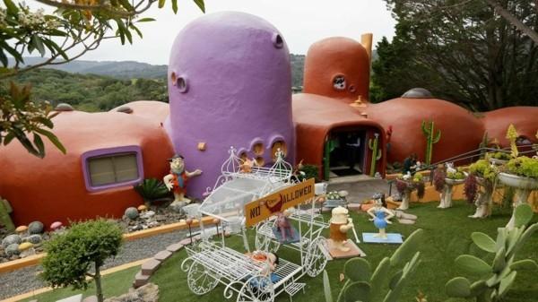 flintstone haus bizarre steinzeit villa