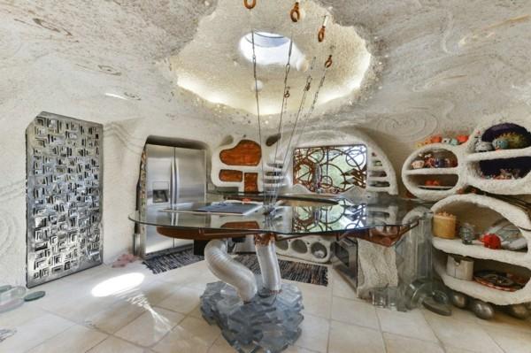 flintstone haus organische architektur bizarre villa