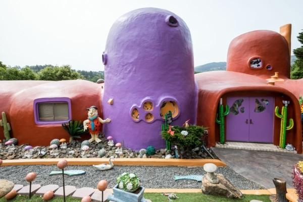 flintstone haus skurille architecktur ferienvilla