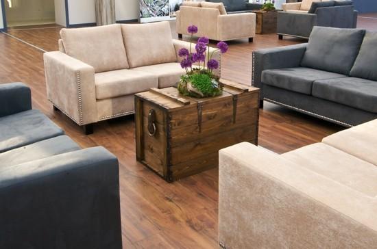 kaffeetisch truhentisch elegante wohnzimmereinrichtung