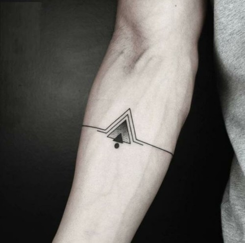 kleine tattoos männer geometrisch unterarm