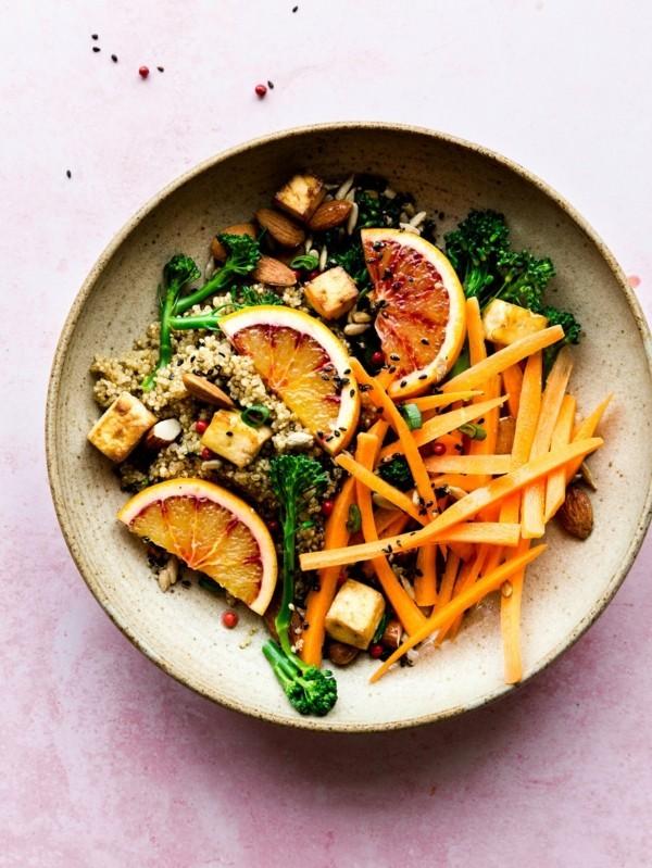 leichte buddha bowl rezepte vegan mit tofu und orangen