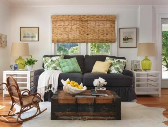 retro wohnzimmer mit truhentisch
