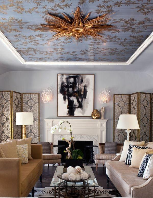 romantische deckengestaltung goldakzente im wohnzimmer