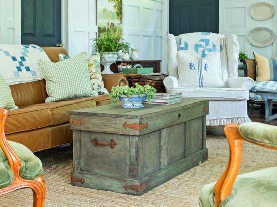 rustikaler chic wohnzimmer mit truhentisch