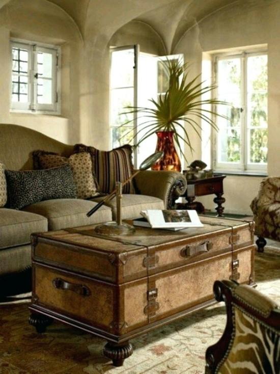 safari style wohnzimmer mit truhentisch