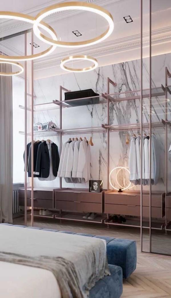 schöne beleuchtung - offener kleiderschrank