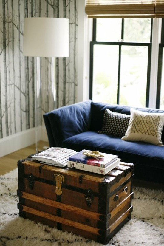 truhentisch hochflor teppich wohnzimmer