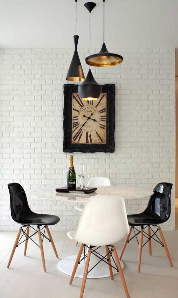 wanduhr - design in schwarzer und weißer Farbe
