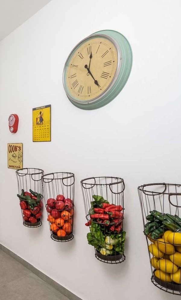 wanduhr - tolle Eimer mit Gemüse