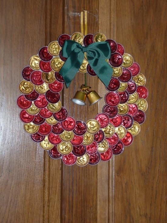 weihnachtskranz upcycling basteln mit kaffeekapseln