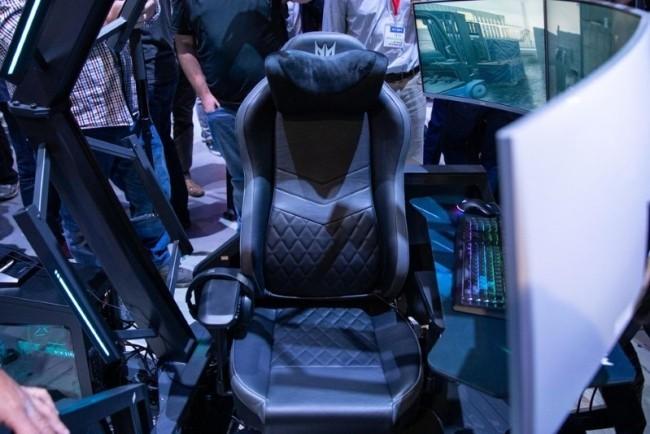 Acer enthüllt neuer Gaming Thron auf der IFA 2019 Acer Predator Thronos Air sitzbereich bequem mit massage