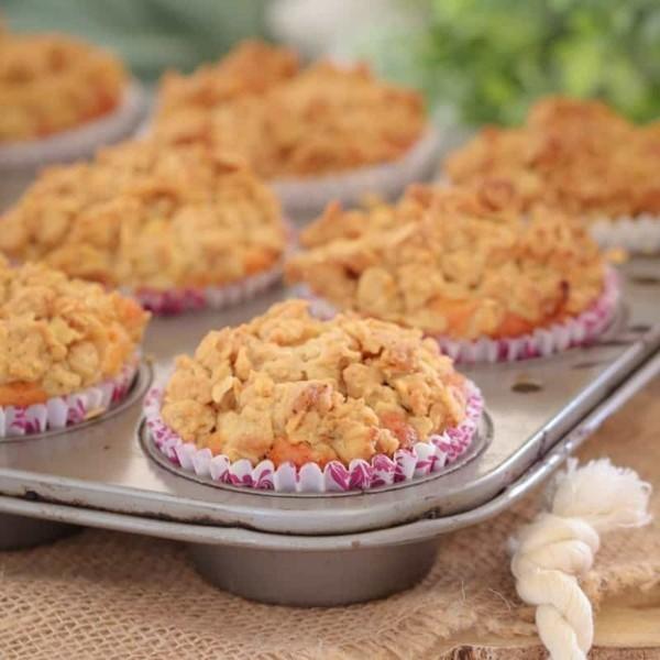 Apfel Crumble Rezept Muffins Apfelstreusel zubereiten