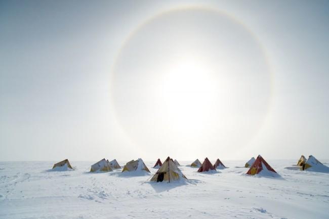 Bohrungen in der Antarktis könnten zur Bekämpfung des Klimawandels beitragen camp der wissenschaftler eis